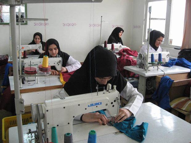 تولید کنندگان پوشاک اقدام به تولید ماسک نمودند - صدای بازار